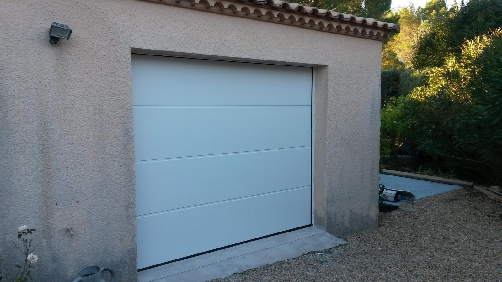 Portes de garages lunel sectionnelle coulissante - Isolation porte de garage coulissante ...